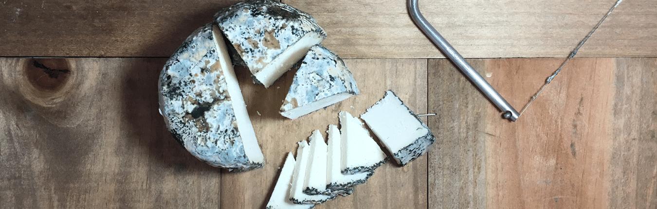 Le recomendamos como cortar un queso con aprovechamiento